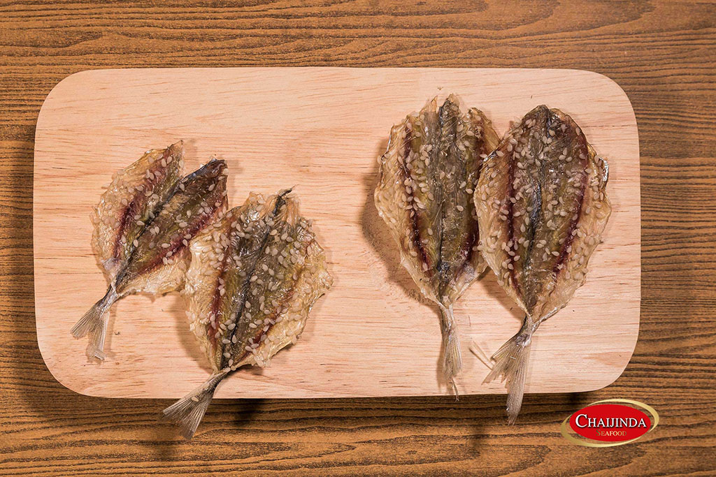 Dried Yellow Striped Trevally with sesame (YLL-D01)